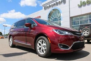 2017 Chrysler Pacifica Touring-L Plus *0% for 72 months* London Ontario image 1