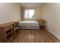 Double room in East London spacious,perfect for a couple