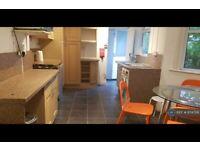 5 bedroom house in Ferndale Road, London, N15 (5 bed) (#874706)