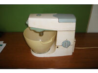 Kenwood Chef Food Mixer. Model number A701A 8 Speed
