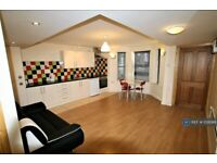 2 bedroom flat in Ferry Road, Cardiff, CF11 (2 bed) (#1026916)