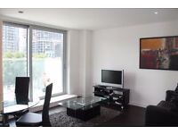 LUXURIOUS 1 BED 1 BATH, 24HR CONCIERGE, BALCONY, NEAR DLR IN Pan Peninsula Square, East Tower