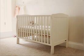 Mamas and Papas medium cot