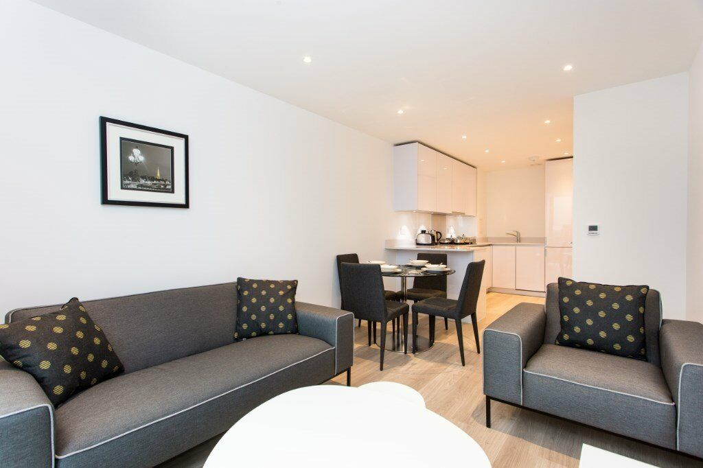 MODERN DESIGNER FURNISHED 1 BEDROOM APARTMENT IN SAFFRON SQUARE PINNACLE  APARTMENTS WEST CROYDON
