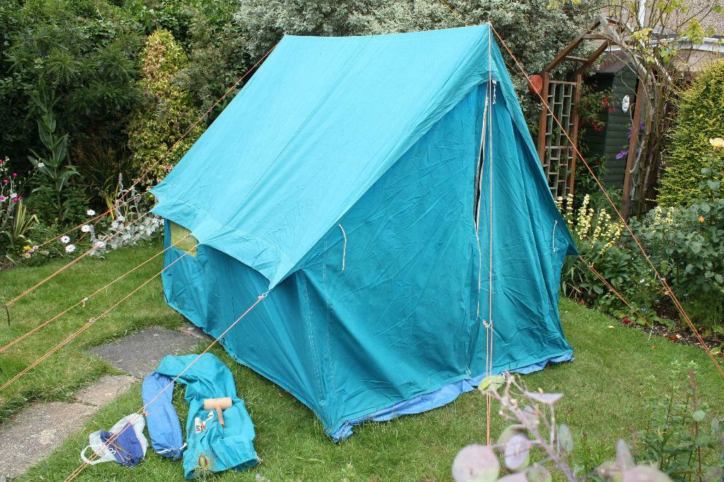 Millets Canvas 2 man bell end ridge tent 6u0027 high 9u0027 8  & Millets Canvas 2 man bell end ridge tent 6u0027 high 9u0027 8