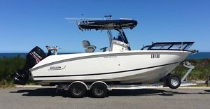 Boston Whaler Outrage 2006 centre console with new 300hp Suzuki Sorrento Joondalup Area Preview