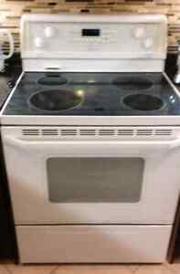 Whirlpool gold range.  Self Cleaning