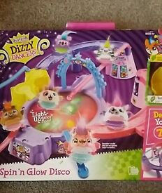 Dizzy dancers disco & lights. Spinning dancing pets