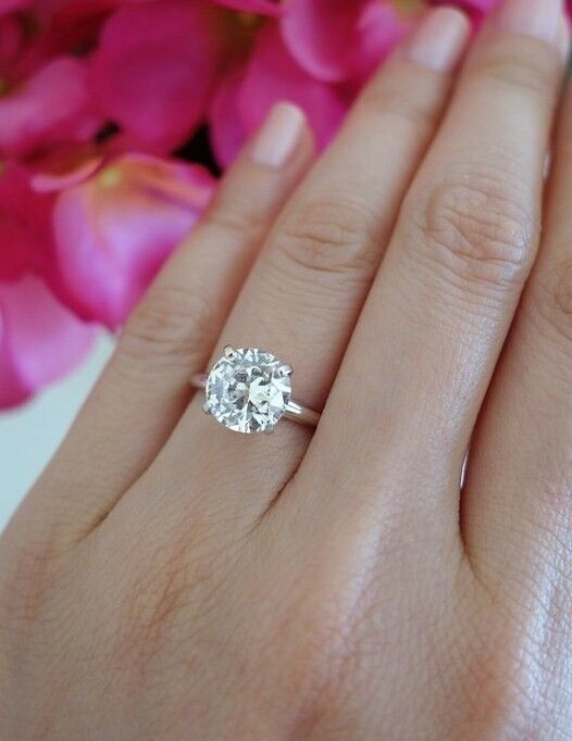 Stunning 3 Carat Round Solitaire Engagement Ring 3959a53e2