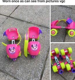 Minnie Mouse skates like new
