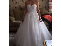 Wedding dress with hoop underskirt and dress bag size 10 - 12