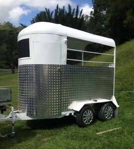 Double Horse Float Hire ---- $60 Per Day (24 Hrs) !!! Currumbin Gold Coast South Preview