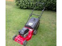 Briggs and stratton self propelled petrol lawnmower