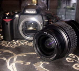 BRAND NEW CONDITION - Nikon D40 DSLR Camera Package