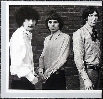 PINK FLOYD POSTER PAGE 1967 NICK MASON RICHARD WRIGHT ROGER WATERS . H3