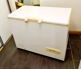 Whirlpool Chest Freezer in Excellent Working Condition.