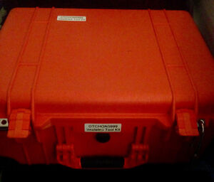 Snap On Insulated Tool Kit! MINT Condition!!