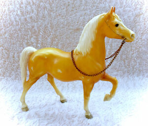 Vintage Breyer Molding Horse Golden Yellow White Mane Reigns 70s