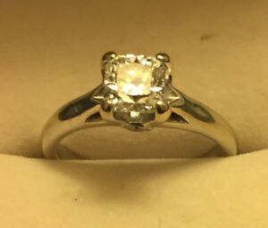 Excellent quality Diamond Engagement Ring