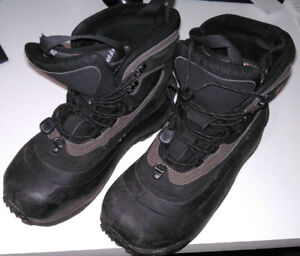 Men's / Boy's Winter Boots, size 8