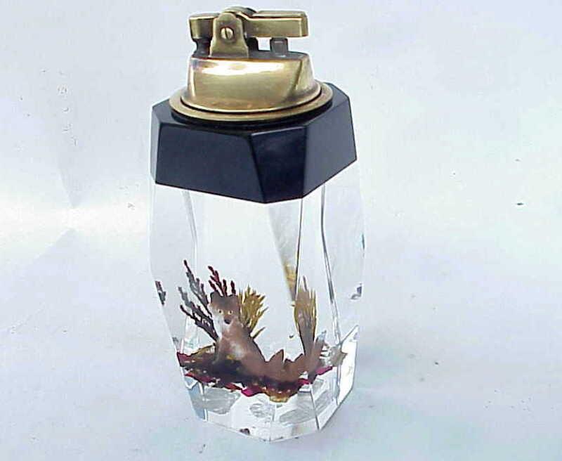 WONDERFUL Vintage Fox Acrylic Cigarette Lighter St Armands Key Sarasoda FL