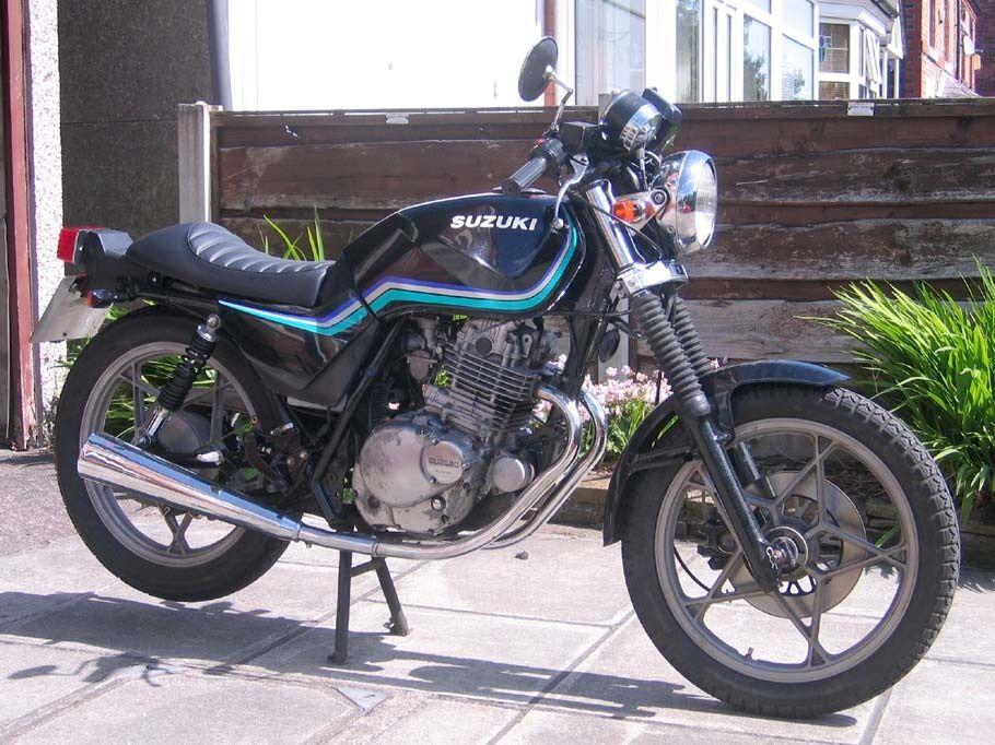 Suzuki GN 250 cafe racer brat style bobber custom