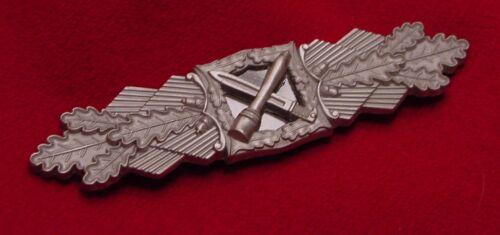 GERMAN WWII CLOSE COMBAT CLASP IN SILVER  BUNDESREPUBLIK WEHRMACHT VETERANS