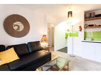 Bright airy 1 bedroom flat with secure parking