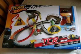 Brand New Boxed Hot Wheels TCR Supercharged Stunt Park