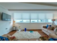 Spectacular apart in unbelievable location , Rose Crescent, compl equip /furnis and bills incl