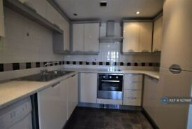 2 bedroom flat in Middlewood Street, Manchester, M5 (2 bed) (#1127688)