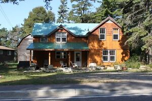 "4 Bedroom ""Chateau Prov"" - Sand Beach Manitoulin Island"