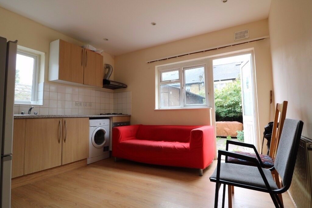 £1175 - One bedroom flat in Tooting