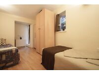 COMFY TWIN ROOM IN A LOVELY AREA CLOSE TO THE TUBE STATION-HALF MONTH DEPOSIT ONLY***ARCHWAY***76A/3