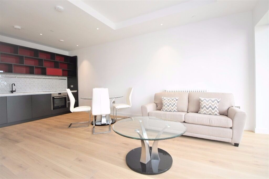 ***Brand New Stunning Luxury 2 Bedroom 2 Bathroom Apartment in City Island E14***