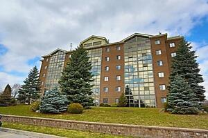 Modern and Stylish 3 Bedroom Suites Available!