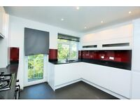 2 bedroom flat in Sunnyhill Court, Sunningfields Crescent, Hendon, NW4