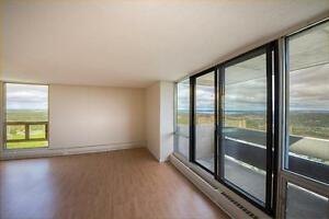 LARGE APARTMENTS WITH WOOD FLOORS AND BEAUTIFUL VIEWS