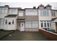 *LARGE 3 BEDROOM 2 RECEPTION HOUSE AVAILABLE IN HORNCHURCH RM11 PRIMROSE GLEN* AVAILABLE NOW!