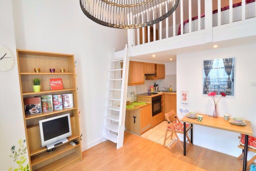 Superb Holiday Let Spacious split level studio in West Kensington for £440 pw