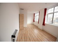 Newly Renovated 2 Bedroom Flat - All Saints DLR Stn - Canary Wharf - Professionals - DSS Considered