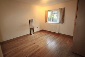 LOVELY DOUBLE/TWIN ROOM TO RENT IN STOCKWELL AREA GREAT LOCATION CLOSE TO THE TUBE STATION. 14J