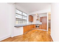 EC1V - Barbican Large 3 bedroom apartment in converted WAREHOUSE 5 Mins to Barbican station