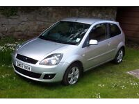 FORD FIESTA ZETEC CLIMATE , ONLY 2 OWNERS , COMES WITH HPI REPORT , ( not corsa , polo , clio )