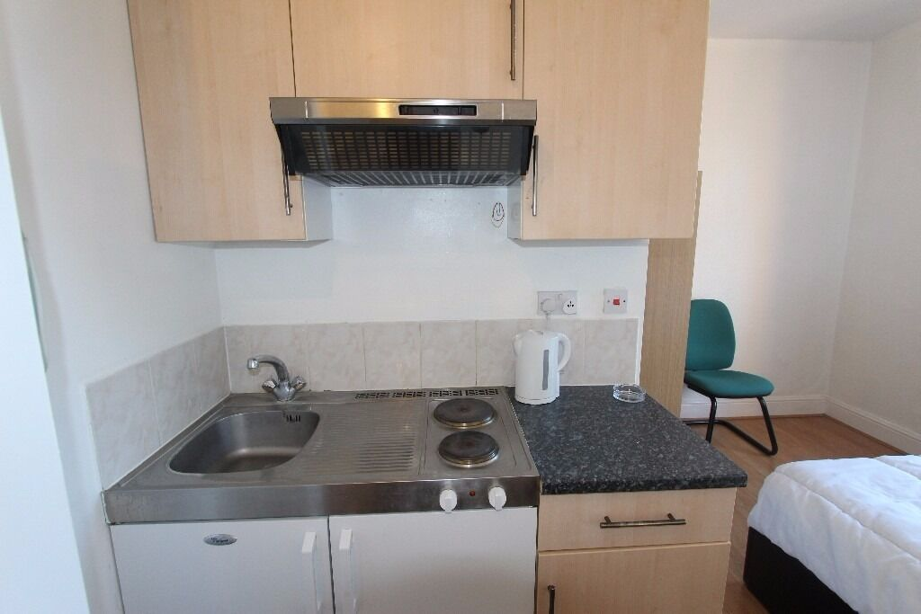 *** Studio Flat now available in Palmers Green***