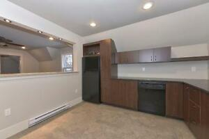 2 Bedroom, Upper Unit, Old South - GORGEOUS!!!! $899.00
