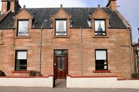 spacious 4/5 bedroom house in the centre of Beauly, ideal for B&B or family home