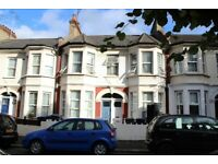 SUPER SPACIOUS 2 DOUBLE BEDROOM FLAT WITH OWN ENTRANCE & BALCONY NEAR ZONE 3/2 TUBE & 24 HOUR BUSES