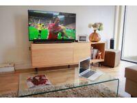 Sony KDL-50W829B- 50 inches screen