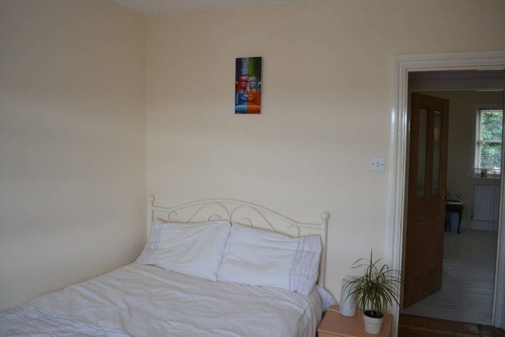 Nice Double Bed & Matress - Charlton, Greenwich £50